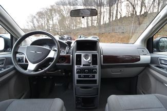 2010 Chrysler Town & Country Touring Naugatuck, Connecticut 5