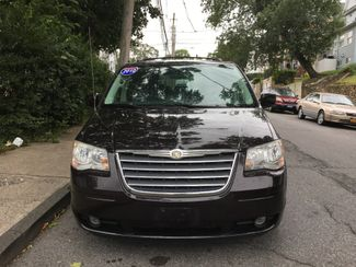 2010 Chrysler Town & Country Touring Plus Portchester, New York