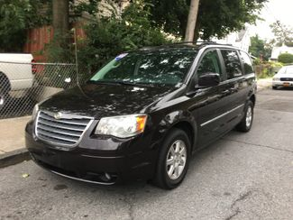 2010 Chrysler Town & Country Touring Plus Portchester, New York 2