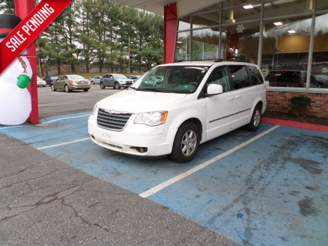 2010 Chrysler Town & Country Touring in WATERBURY, CT