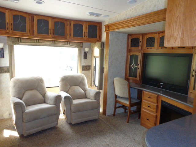 2010 Coachmen Brookstone 367RLS Mandan, North Dakota 12