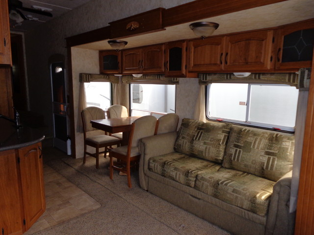 2010 Coachmen Brookstone 367RLS Mandan, North Dakota 13