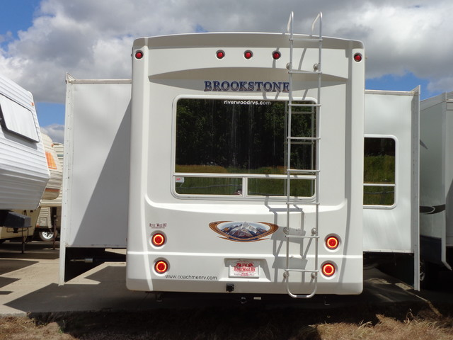 2010 Coachmen Brookstone 367RLS Mandan, North Dakota 3