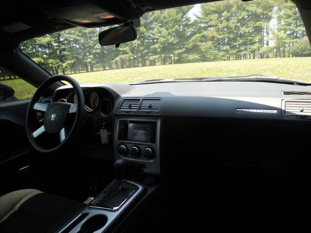 2010 Dodge Challenger SE Leesburg, Virginia 14