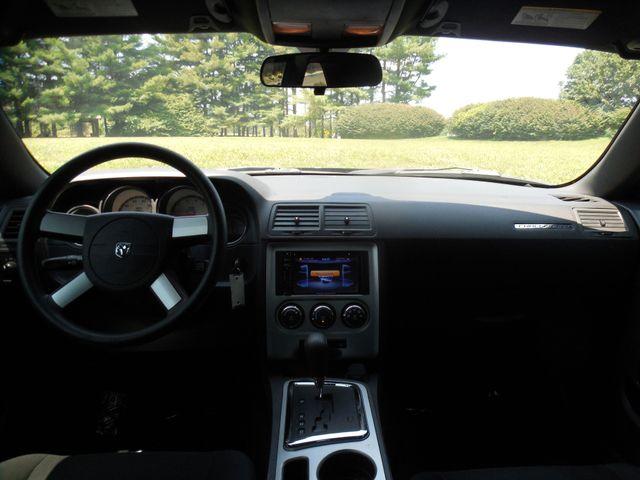 2010 Dodge Challenger SE Leesburg, Virginia 16