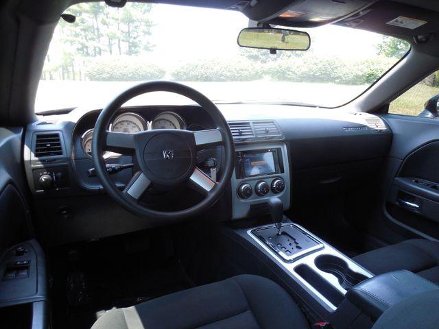 2010 Dodge Challenger SE Leesburg, Virginia 15