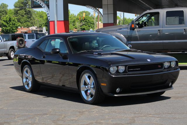 2010 Dodge Challenger R/T RWD - SUNROOF - HEATED LEATHER! Mooresville , NC 23