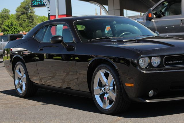 2010 Dodge Challenger R/T RWD - SUNROOF - HEATED LEATHER! Mooresville , NC 25