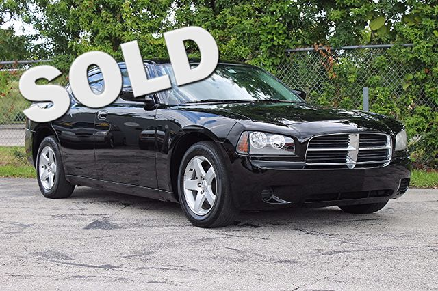 2010 Dodge Charger  WARRANTY CARFAX CERTIFIED AUTOCHECK CERTIFIED 2 OWNERS 17 SERVICE RECOR