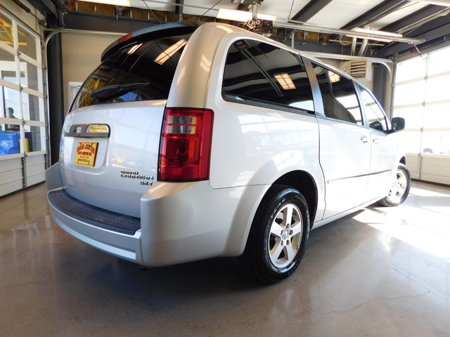 2010 Dodge Grand Caravan SXT  city TN  Doug Justus Auto Center Inc  in Airport Motor Mile ( Metro Knoxville ), TN