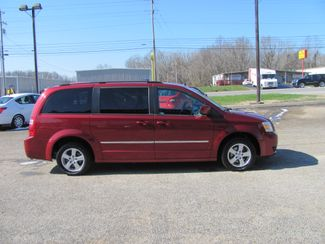 2010 Dodge Grand Caravan SXT Dickson, Tennessee 1