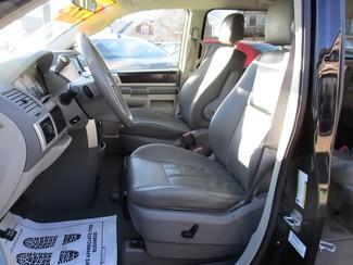 2010 Dodge Grand Caravan SXT Milwaukee, Wisconsin 7