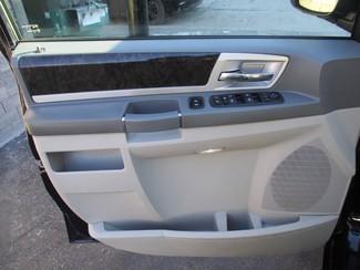 2010 Dodge Grand Caravan SXT Milwaukee, Wisconsin 8