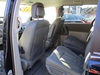2010 Dodge Grand Caravan SXT Milwaukee, Wisconsin 9