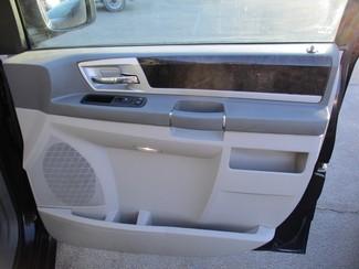 2010 Dodge Grand Caravan SXT Milwaukee, Wisconsin 22
