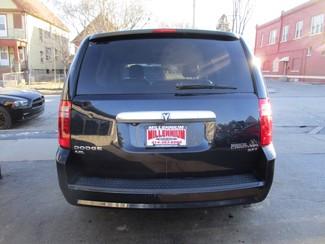 2010 Dodge Grand Caravan SXT Milwaukee, Wisconsin 4