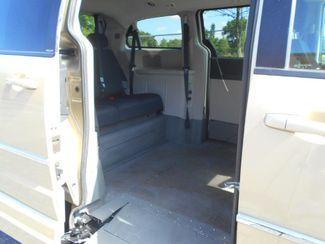 2010 Dodge Grand Caravan Sxt Wheelchair Van................. Pinellas Park, Florida 9