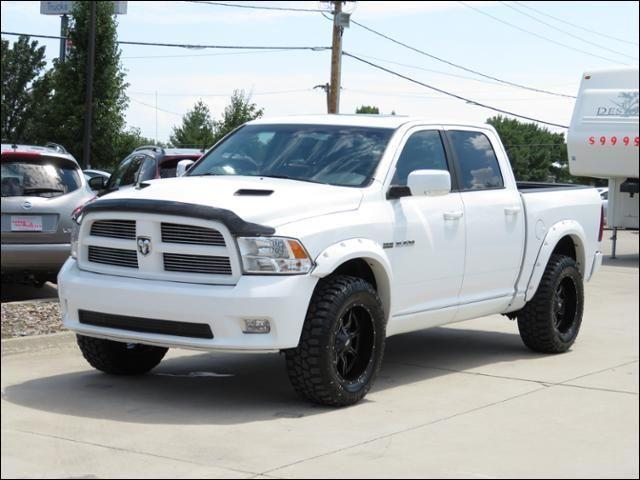 2010 Dodge Ram 1500 Sport 4WD Sunroof/MotoMetals/Lift/Bushwackers in Des Moines IA