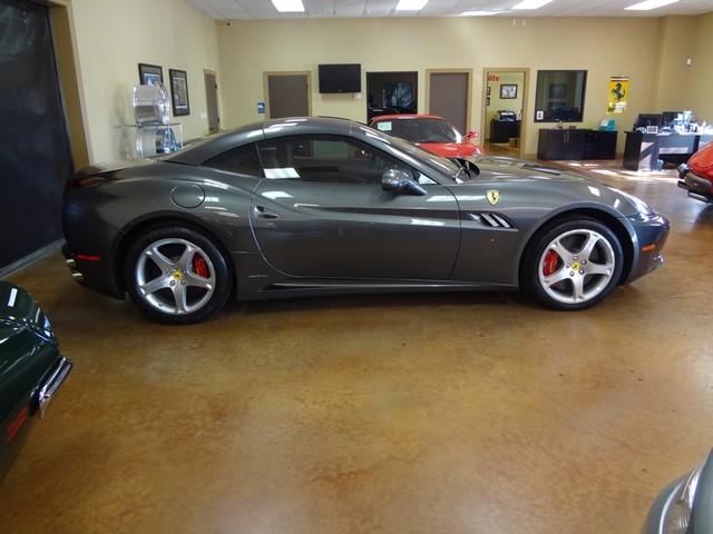 2010 Ferrari California Austin , Texas 16