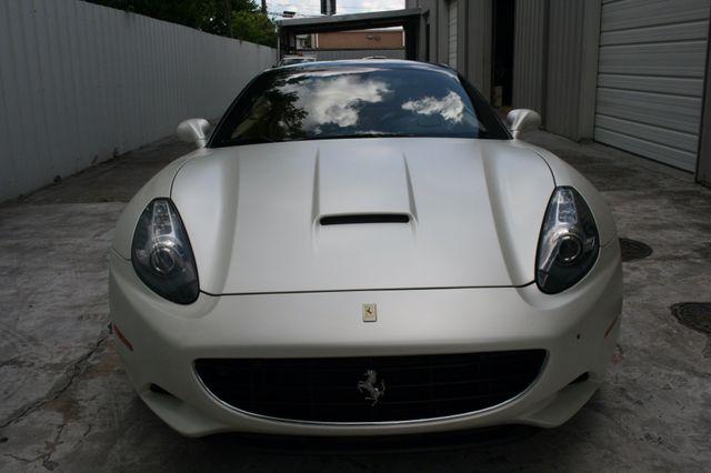 2010 Ferrari California Houston, Texas 4