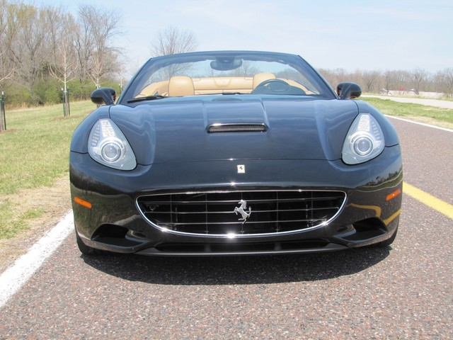 2010 Ferrari California St. Louis, Missouri 16