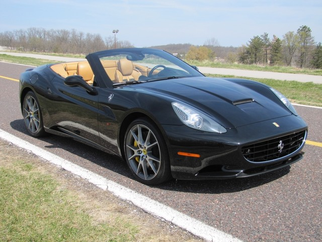 2010 Ferrari California St. Louis, Missouri 17