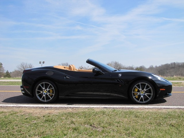2010 Ferrari California St. Louis, Missouri 19