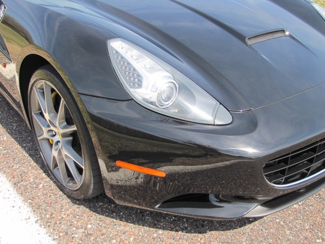 2010 Ferrari California St. Louis, Missouri 21