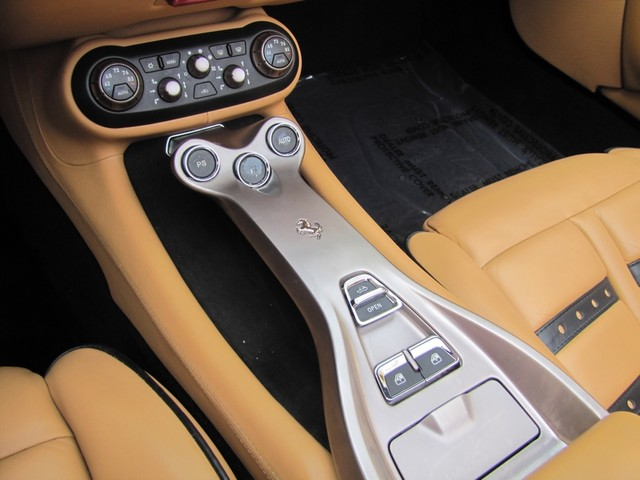 2010 Ferrari California St. Louis, Missouri 30