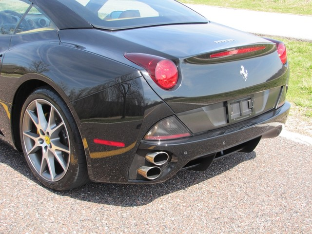 2010 Ferrari California St. Louis, Missouri 4