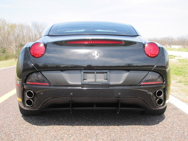 2010 Ferrari California St. Louis, Missouri 10