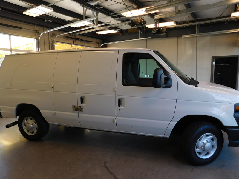 2010 Ford Econoline Cargo Van Commercial  city TN  Doug Justus Auto Center Inc  in Airport Motor Mile ( Metro Knoxville ), TN
