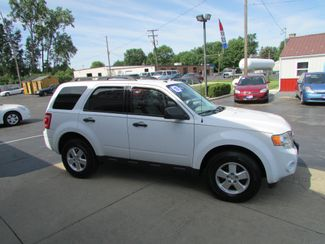 2010 Ford Escape XLT Fremont, Ohio 2