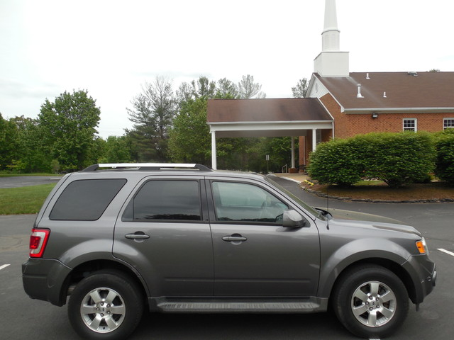2010 Ford Escape Limited Leesburg, Virginia 4