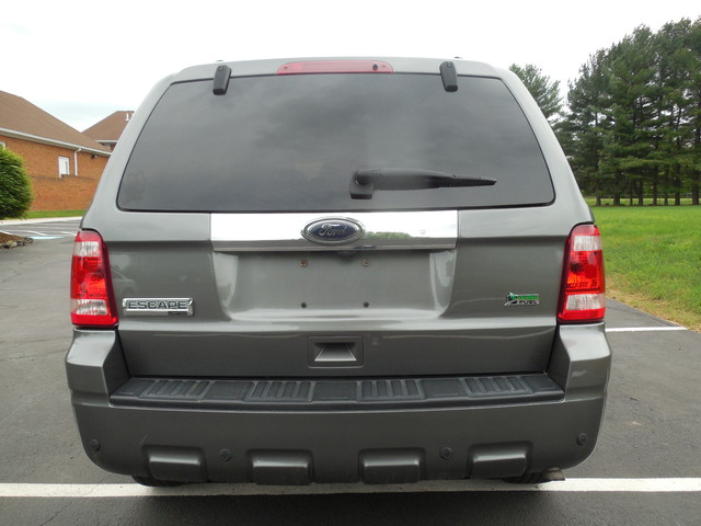 2010 Ford Escape Limited Leesburg, Virginia 7