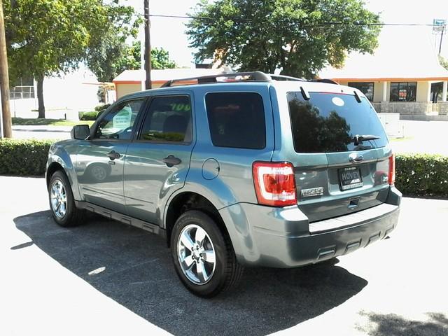 2010 Ford Escape XLT San Antonio, Texas 5