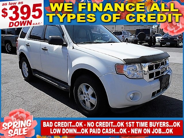 2010 Ford Escape XLT Limited warranty included to assure your worry-free purchase AutoCheck repor