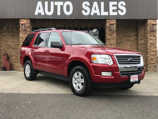 2010 Ford Explorer XLT Red 2010 Ford Explorer XLT 4WD 5-Speed Automatic 40L V6 12V Odometer is 93