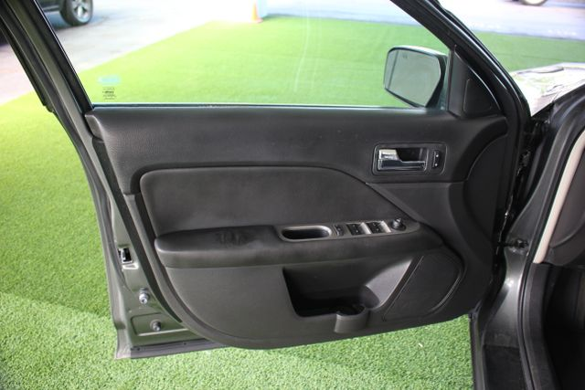 2010 Ford Fusion SEL - APPEARANCE PKG - HEATED LEATHER! Mooresville , NC 41