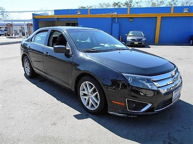 2010 Ford Fusion SEL Limited warranty included to assure your worry-free purchase AutoCheck repor