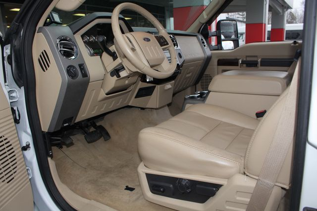 2010 Ford Super Duty F-450 Pickup Lariat Crew Cab Long Bed 4x4 - NAV - SUNROOF! Mooresville , NC 32