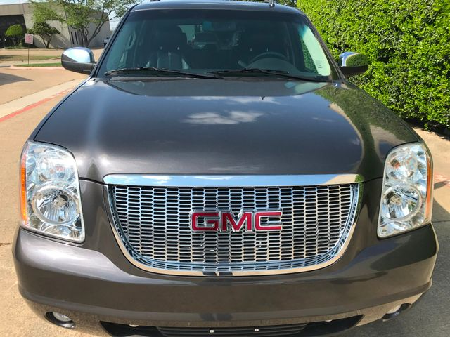 2010 GMC Yukon SLT w/Sunroof, 20's and Rear Bucket Seats Plano, Texas 6