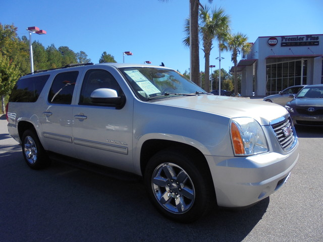 2010 GMC Yukon XL SLT DISCLOSURE Internet pricing is subject to change daily It is a BUY-OUTRIGH