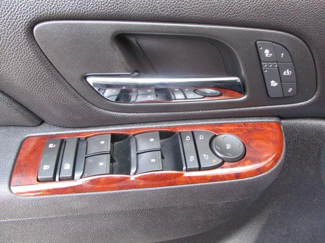 2010 GMC Yukon XL One Owner No Accidents SLT Clean Car Fax Plano, Texas 11