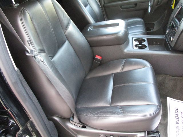 2010 GMC Yukon XL One Owner No Accidents SLT Clean Car Fax Plano, Texas 16