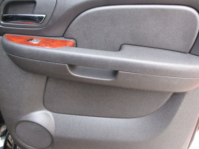 2010 GMC Yukon XL One Owner No Accidents SLT Clean Car Fax Plano, Texas 17