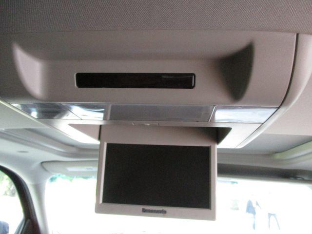 2010 GMC Yukon XL One Owner No Accidents SLT Clean Car Fax Plano, Texas 21