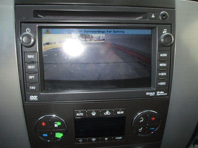 2010 GMC Yukon XL One Owner No Accidents SLT Clean Car Fax Plano, Texas 24