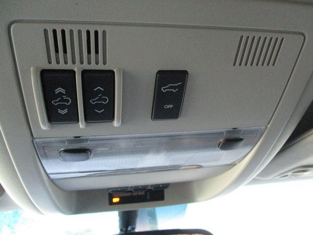 2010 GMC Yukon XL One Owner No Accidents SLT Clean Car Fax Plano, Texas 29