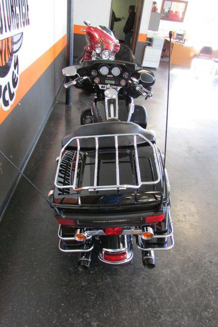 2010 Harley-Davidson Electra Glide® Ultra Limited Arlington, Texas 10